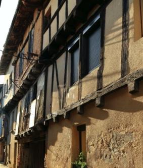 decouvertes-insolites-le-bourg-medieval-moissac