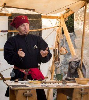 animations-medievales-dans-le-cloitre-moissac